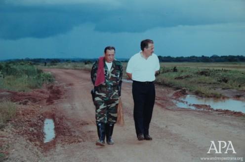 Andrés Pastrana y Tirofijo