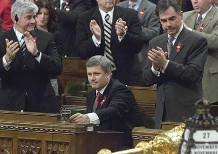 El primer ministro Harper tras la aprobación de la moción sobre Quebec (Associated Press)