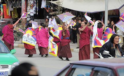 Monjes protestan en Lhasa