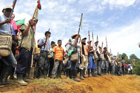 Guardia indígena (Foto: Periódico El Turbión vía Indymedia Colombia)