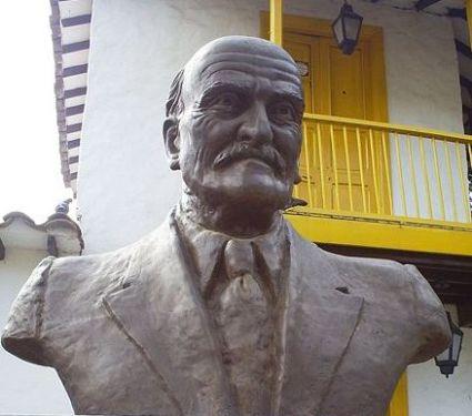 Busto de Tomás Carrasquilla en Medellín